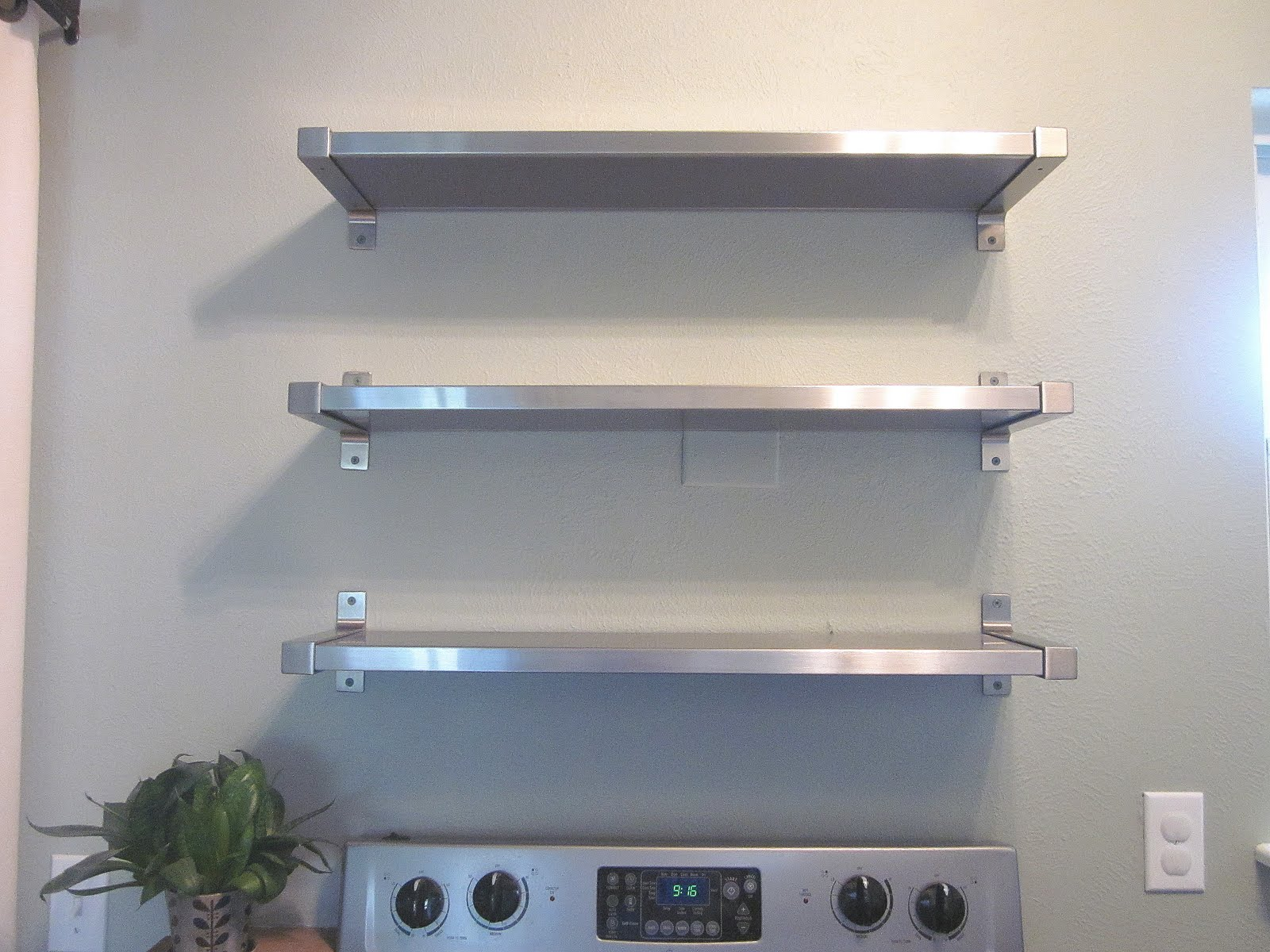 wall mounted shelves for kitchen photo - 7