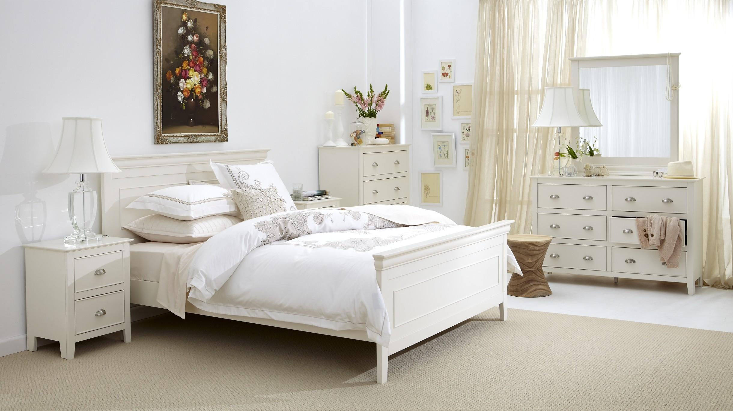 white bedroom furniture decorating ideas photo - 3