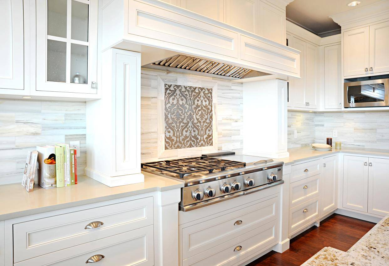 white kitchen cabinet knob ideas photo - 2
