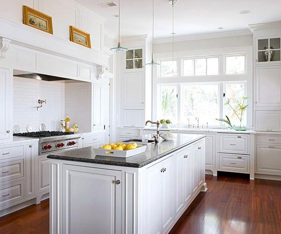 White Kitchen Cabinets Design Photo 1
