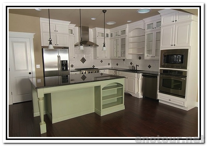 white kitchen cabinets from lowes photo - 5