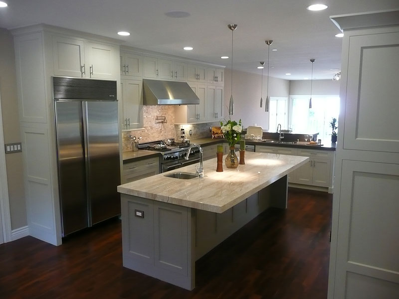 white kitchen cabinets from lowes photo - 9