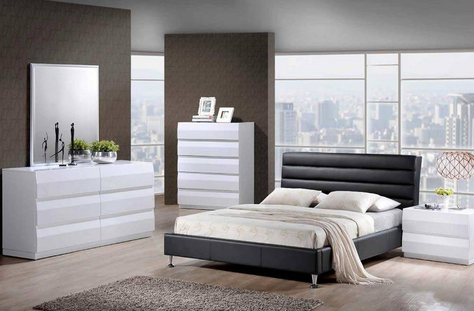 white or black bedroom furniture photo - 8