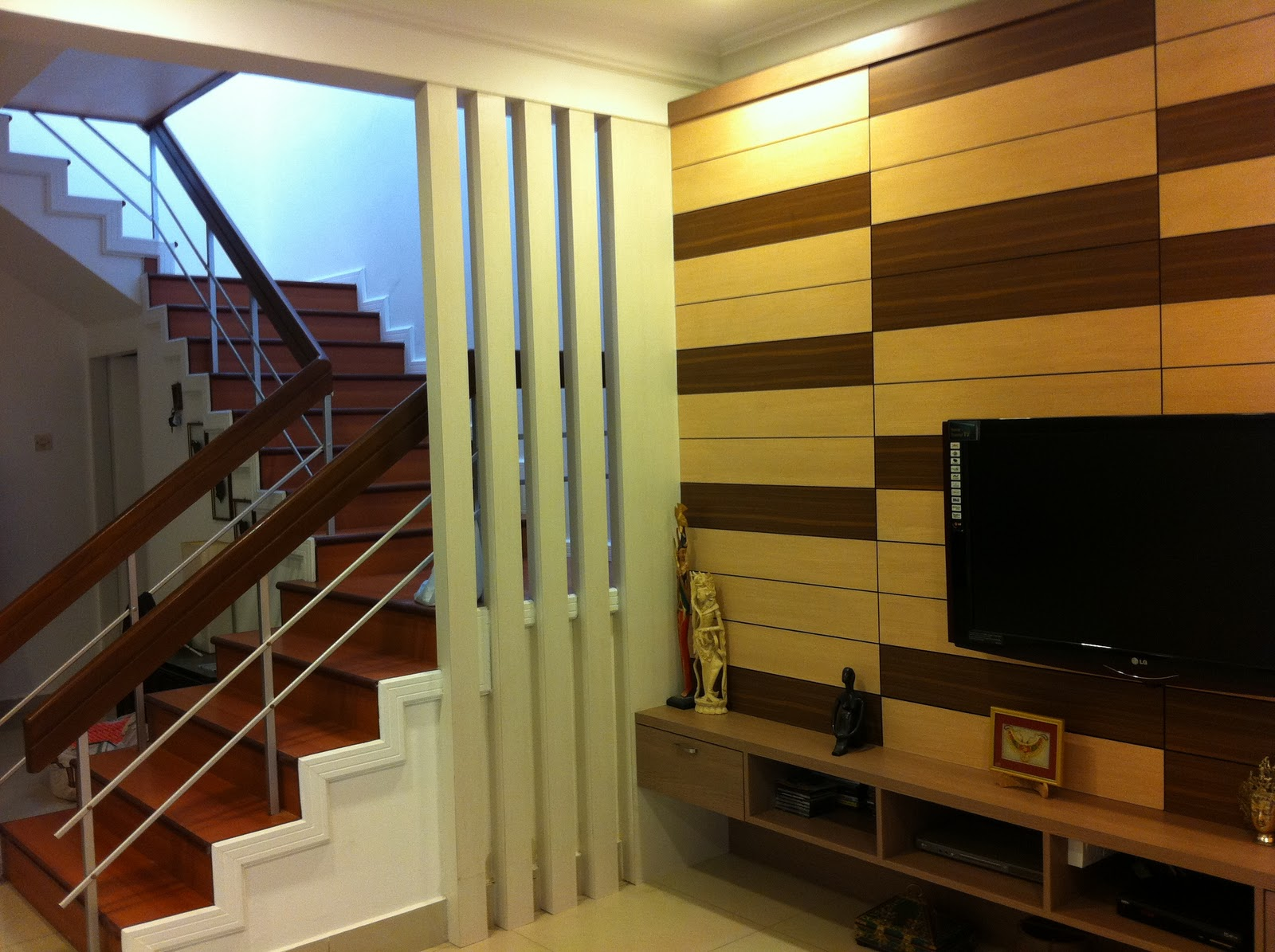 wooden wall design interior photo - 10